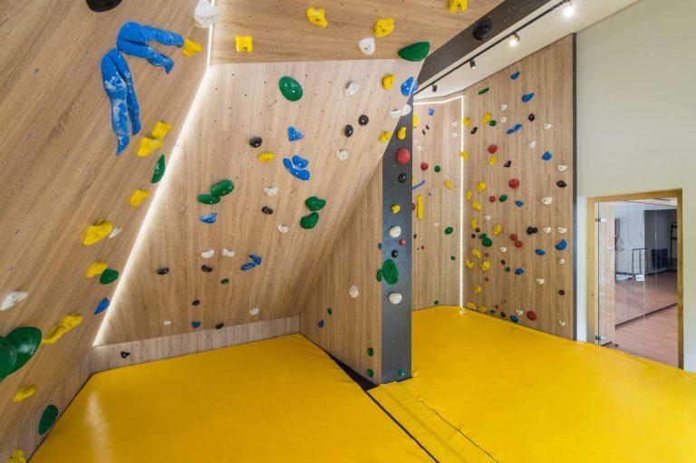 Elia-Kuhn-Photographe-Juin-2019-Salle-de-sport-La-Cordée-Chamonix-Tema-3