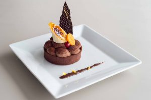 Elia-Kuhn-Photographe-Mai-2019-plat-couleur-jardin-Dessert-du-jour-banane-chocolat-2-2