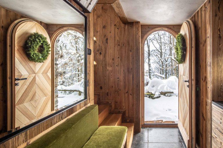 Elia-kuhn-photographe-Janvier-2019-entrée-chalet-megeve-samantha-hauvette-1
